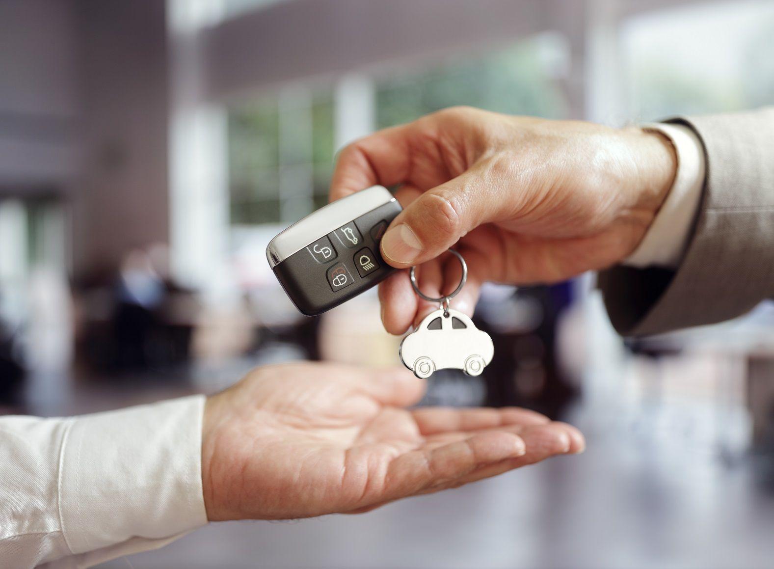 После принудительной продажи автомобиля бывший собственник больше не обязан платить транспортный налог