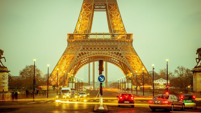 Франция приостановит взимание налога на цифровые услуги
