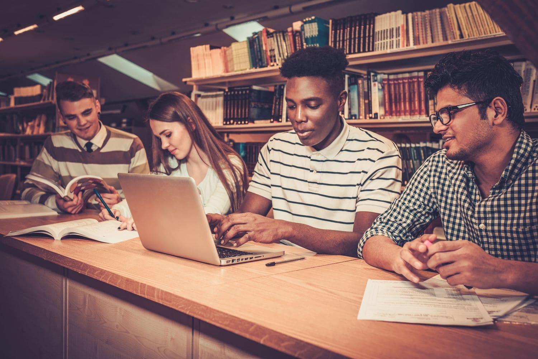 Индия собирается разработать собственный тест TOEFL для иностранных студентов