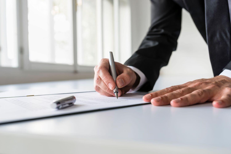 Процедура перехода с бумажной трудовой книжки на электронную регламентирована