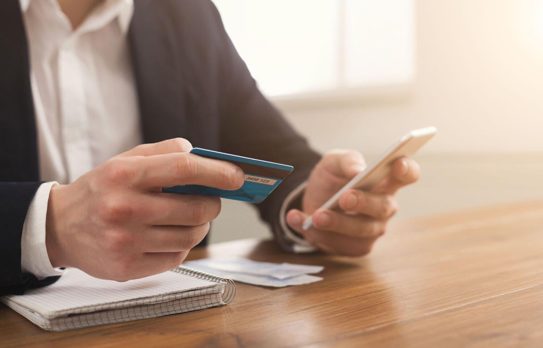 ФНС предлагает организациям и ИП платить налоги через электронные кошельки
