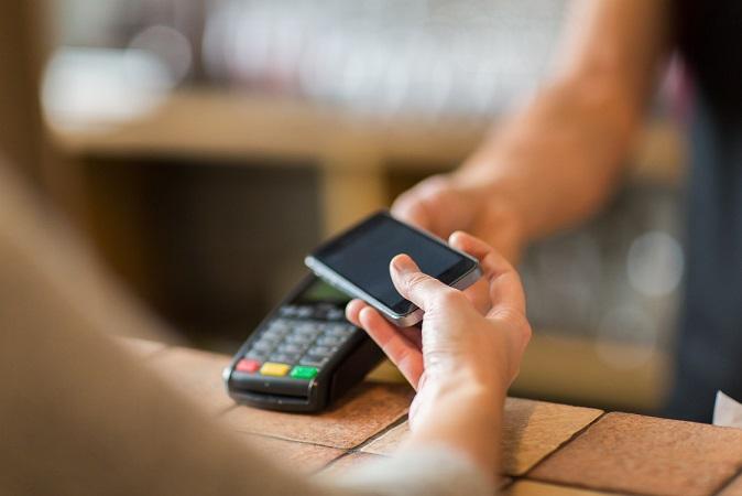 Сбербанк временно отменил плату за эквайринг
