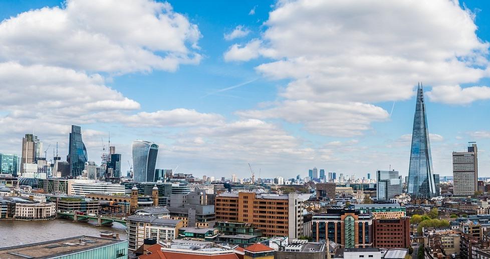 Великобритания ввела новый налог для  крупнейших технологических компаний