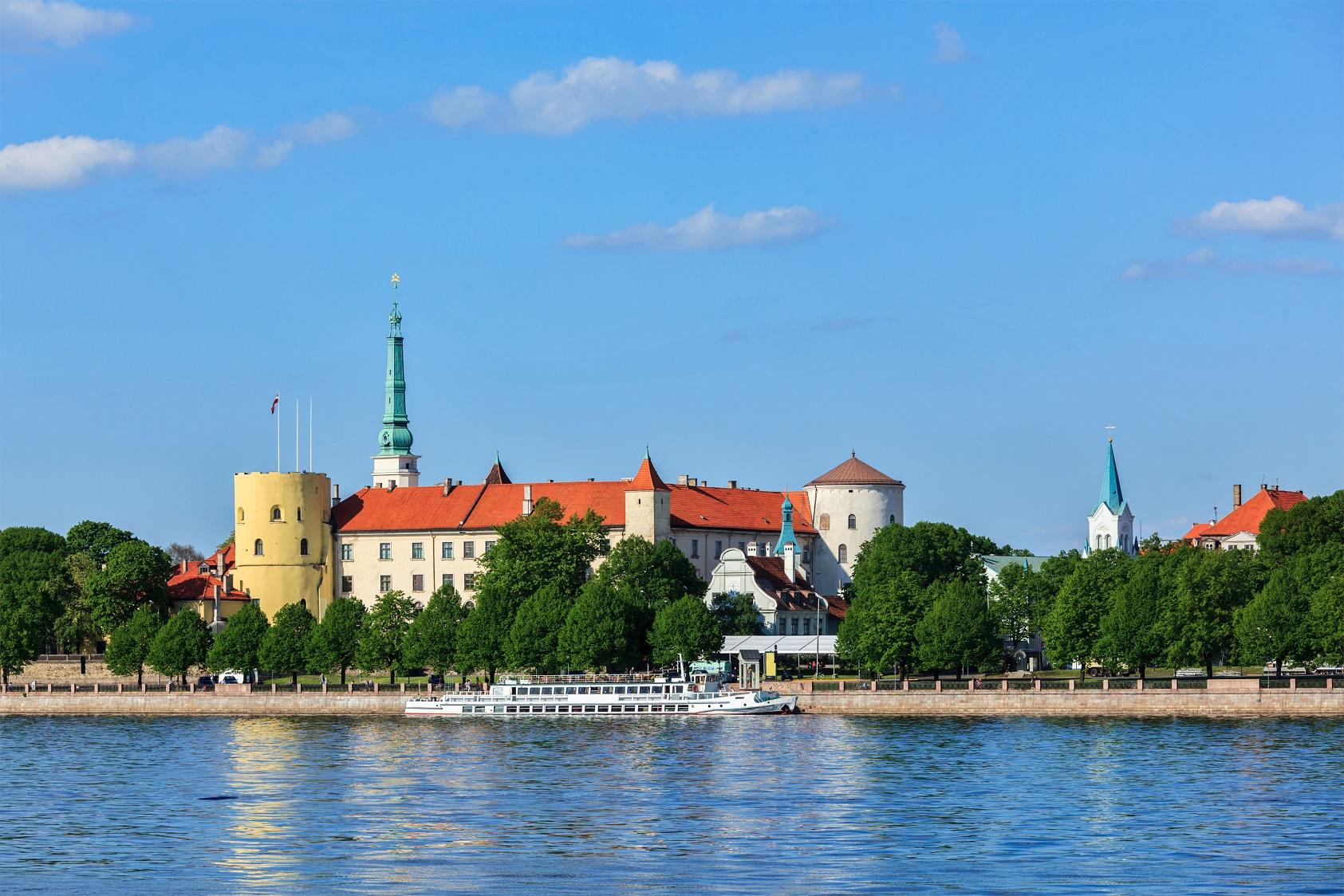 Латвия опубликовала закон о выполнении требований по отчетности DAC6