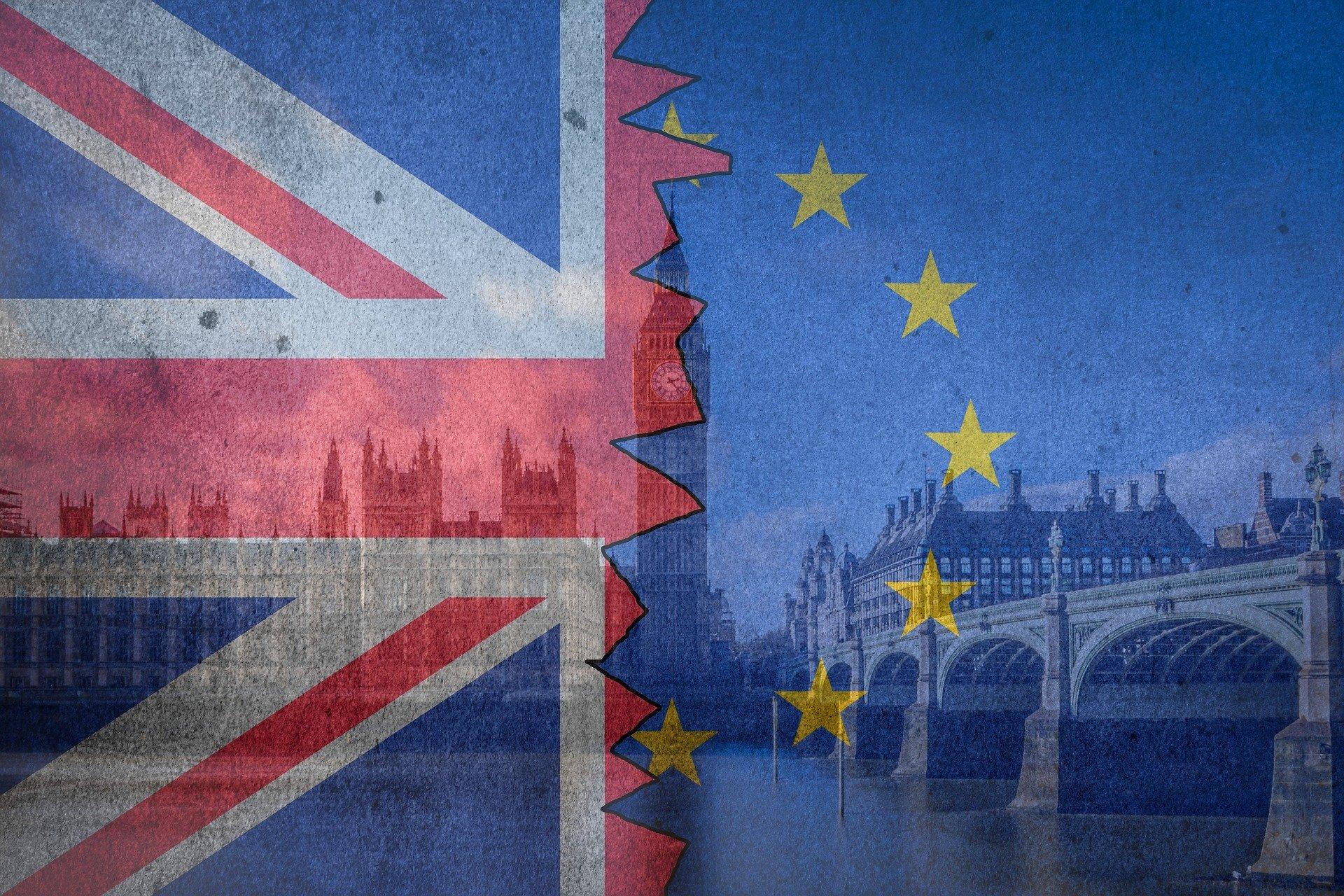 Английские юристы просят отложить имплементацию двух директив ЕС