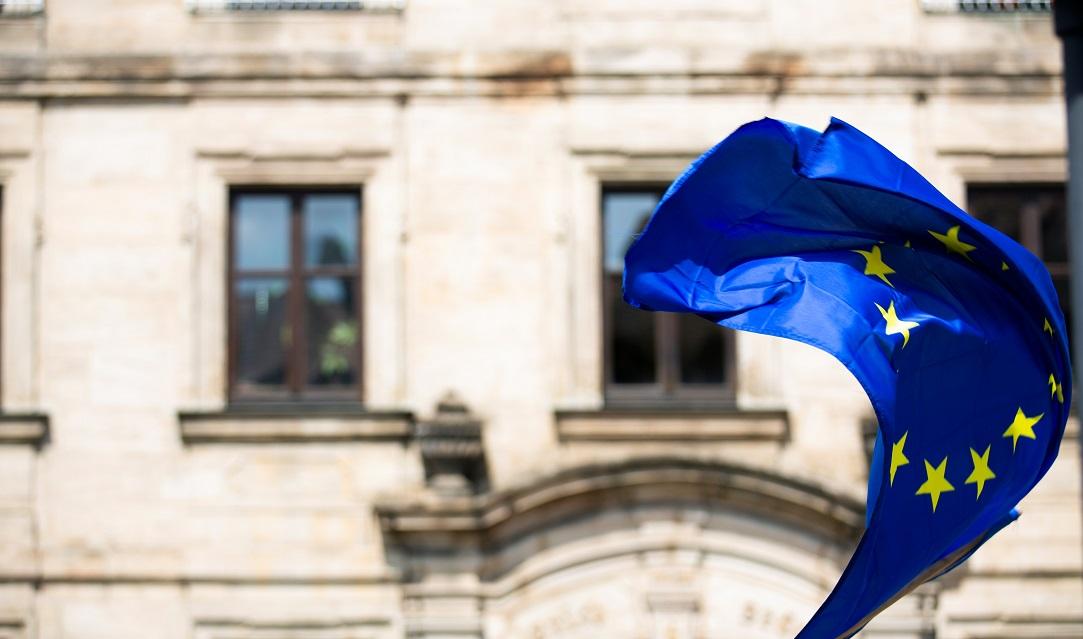 Еврокомиссия предложила займы субсидирующим занятость странам ЕС