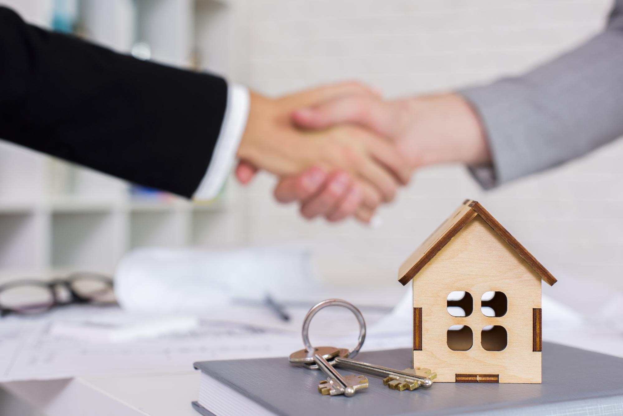 Минфин пояснил порядок оплаты налога ИП припродаже квартиры