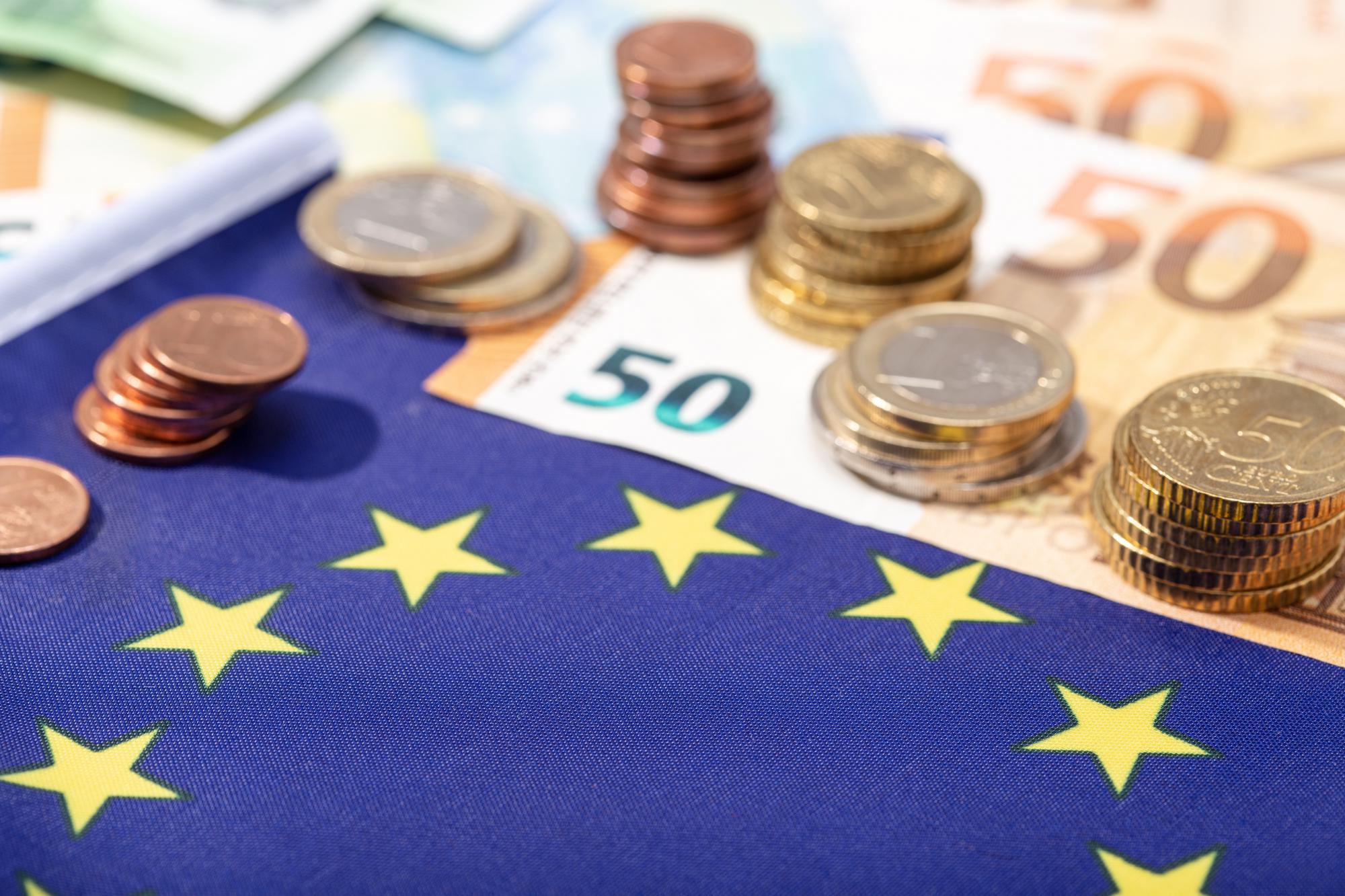 Еврокомиссия продлевает отмену таможенных пошлин и НДС