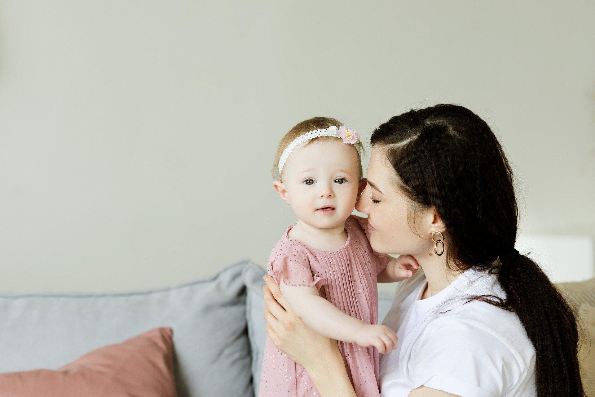 Гарантии для работающих мам, имеющих детей младше трех лет