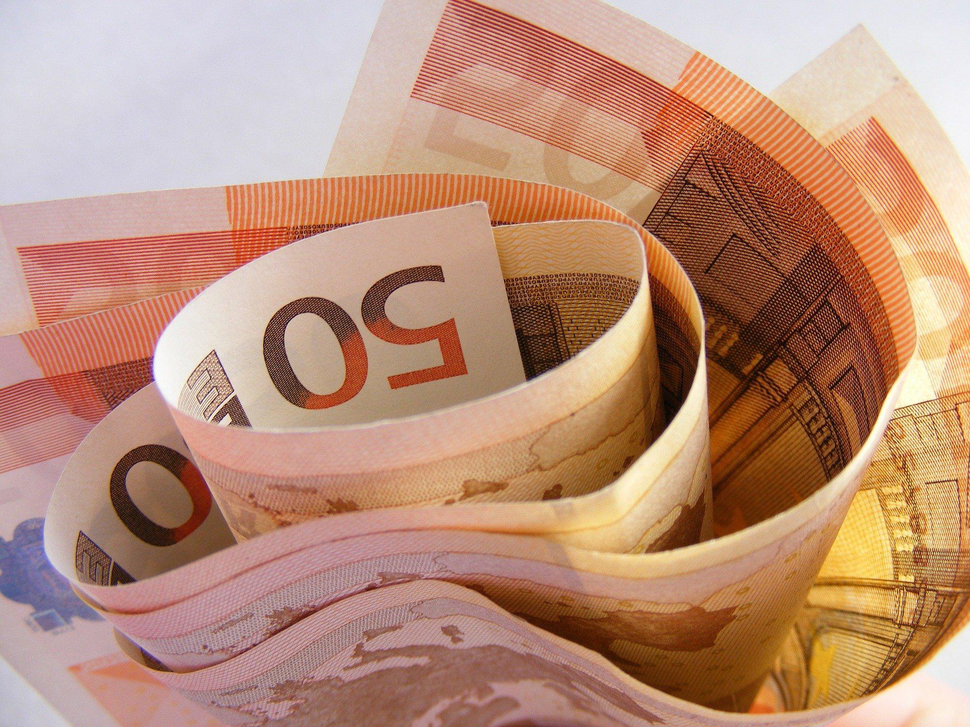 Валютных резидентов могут приравнять к налоговым