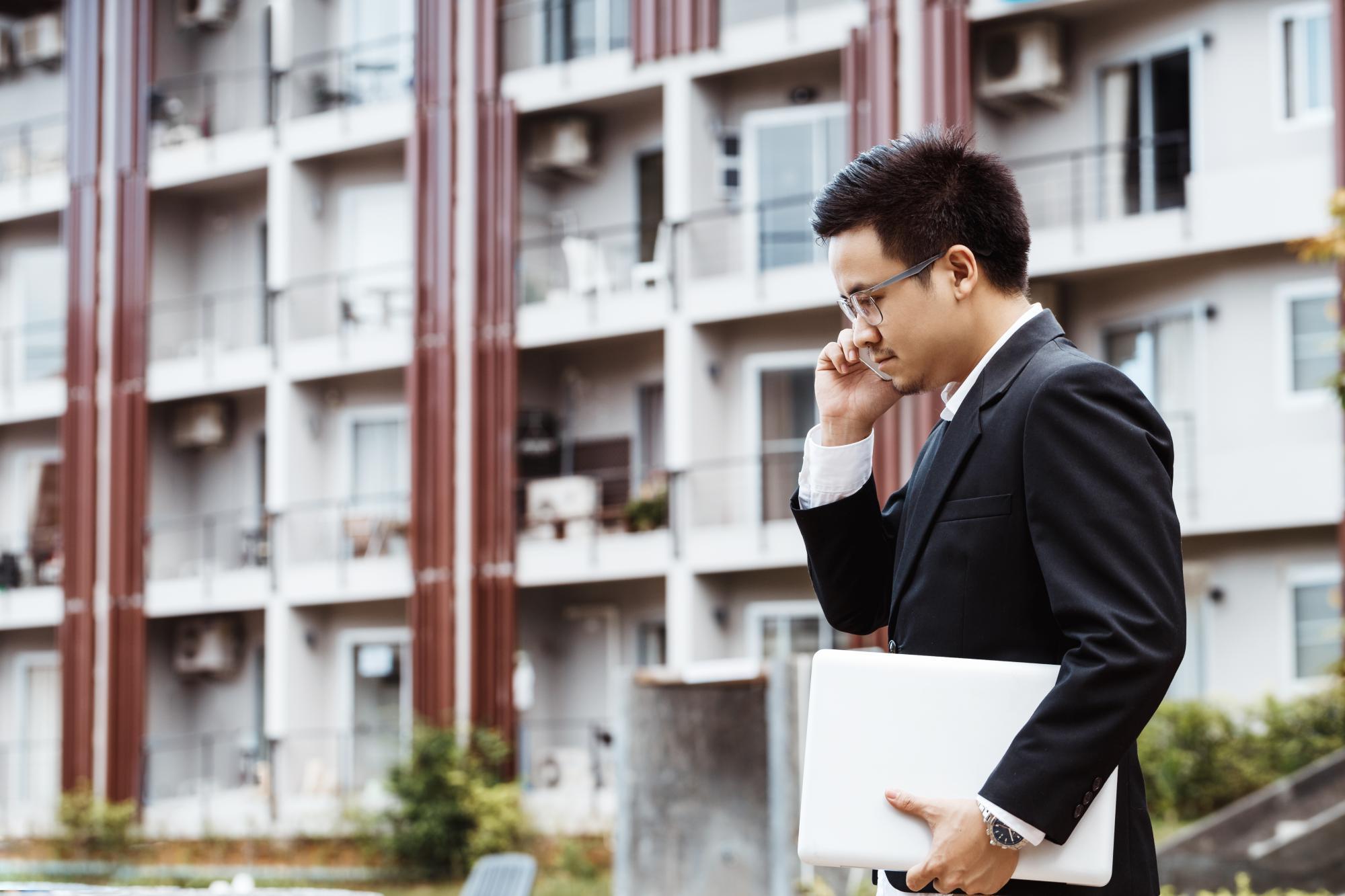 Зарегистрированные права на недвижимость оспариваются в порядке искового производства