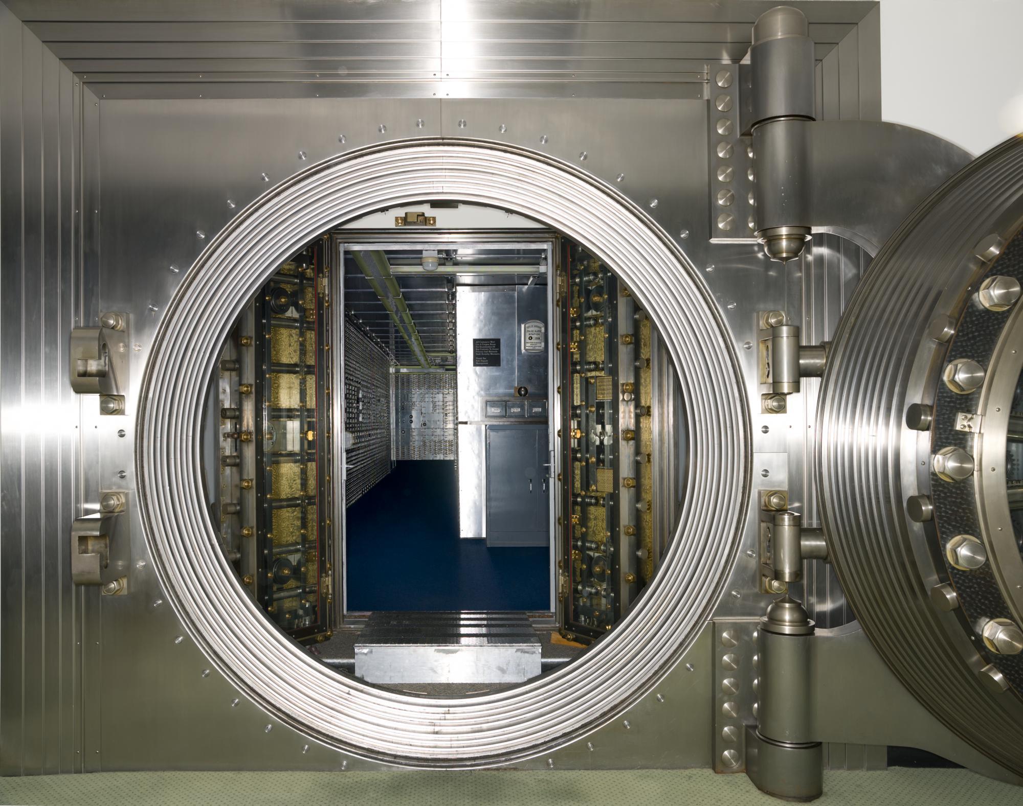 Минфин хочет запретить иностранным банкам открывать филиалы в России