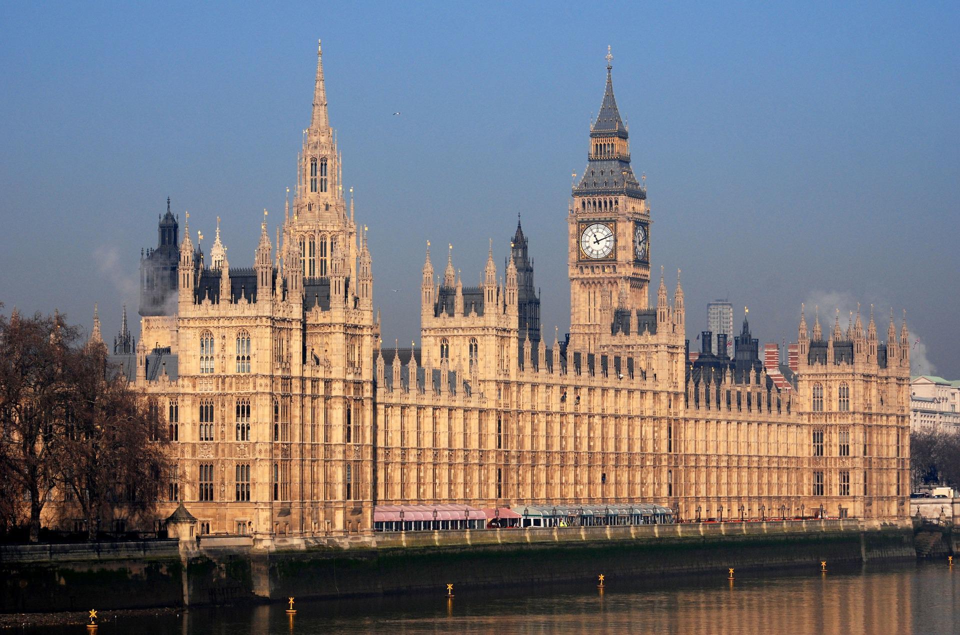 Великобритания разработала новый план по поддержке занятости населения
