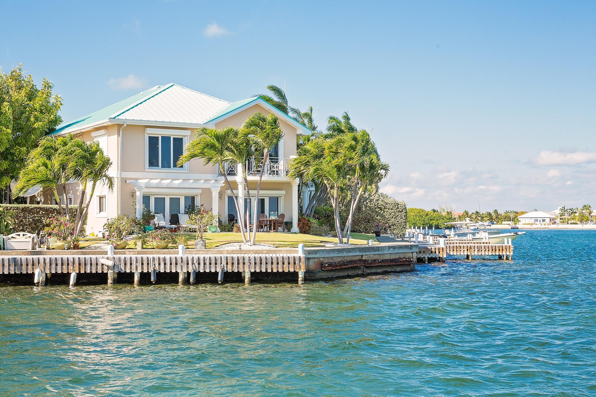 Каймановы острова повысили пошлины для компаний