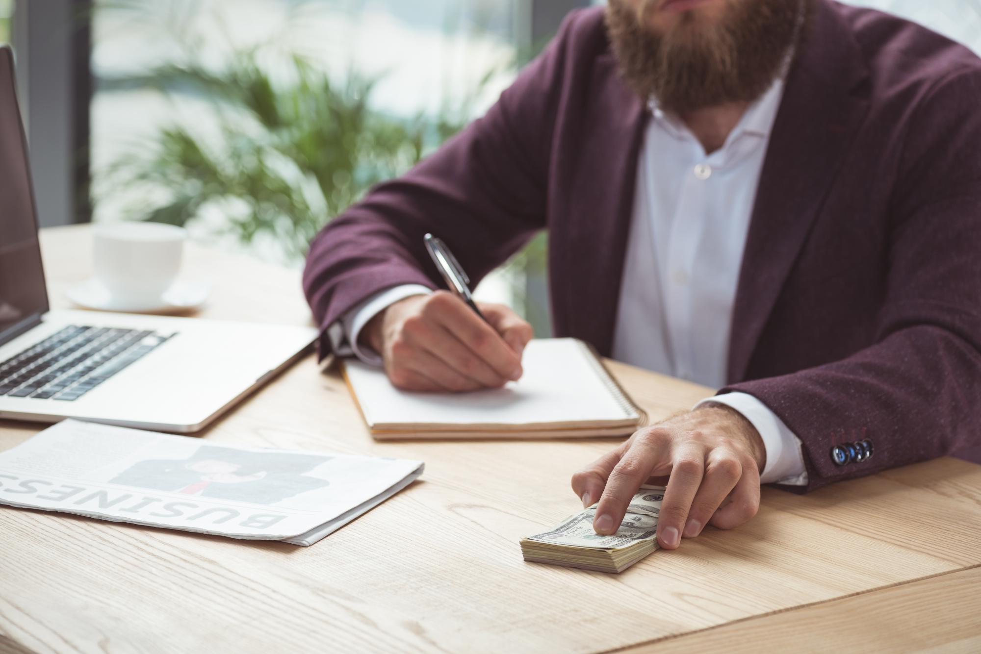 ФСС разъяснил, как заполнять новую справку о заработке