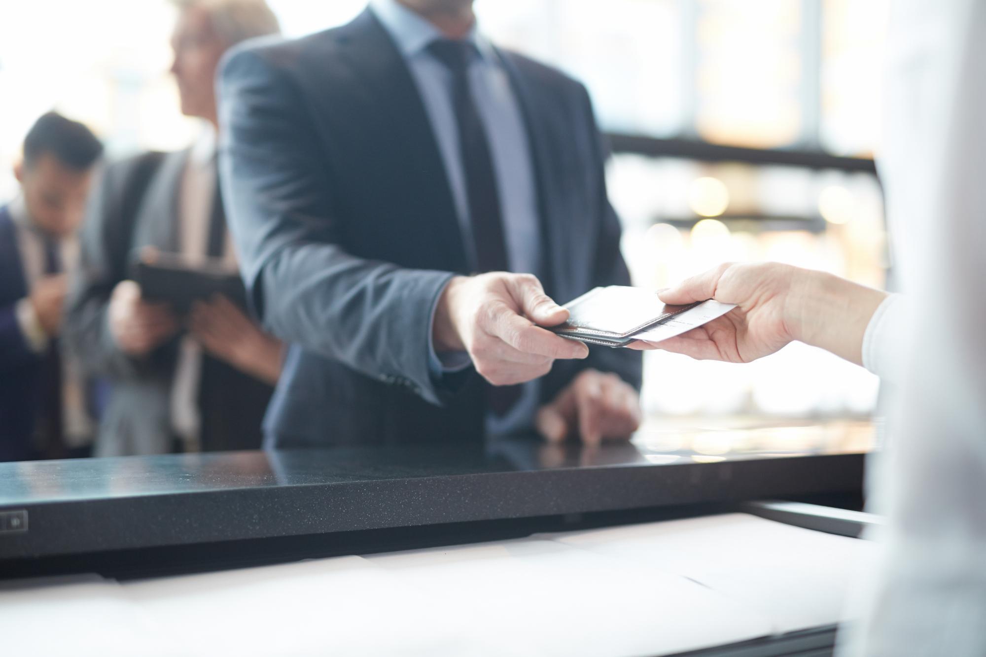 Обязательную регистрацию для безвизового посещения ЕС перенесли на 2023 год