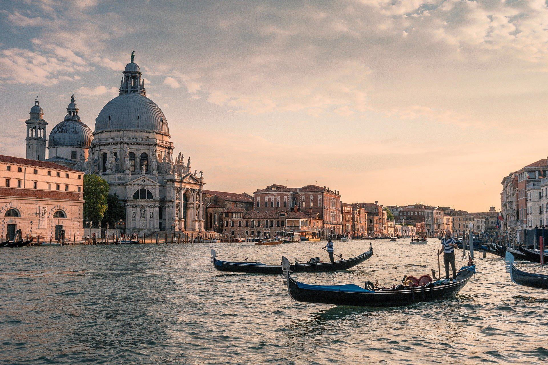 Италия утвердила проект бюджета на 2021 год