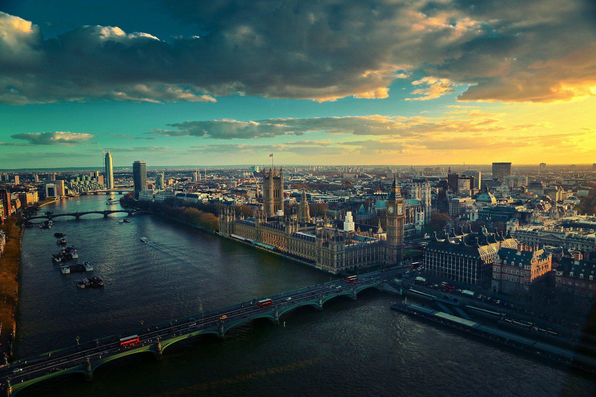 Великобритания планирует усилить борьбу с избежанием налогообложения