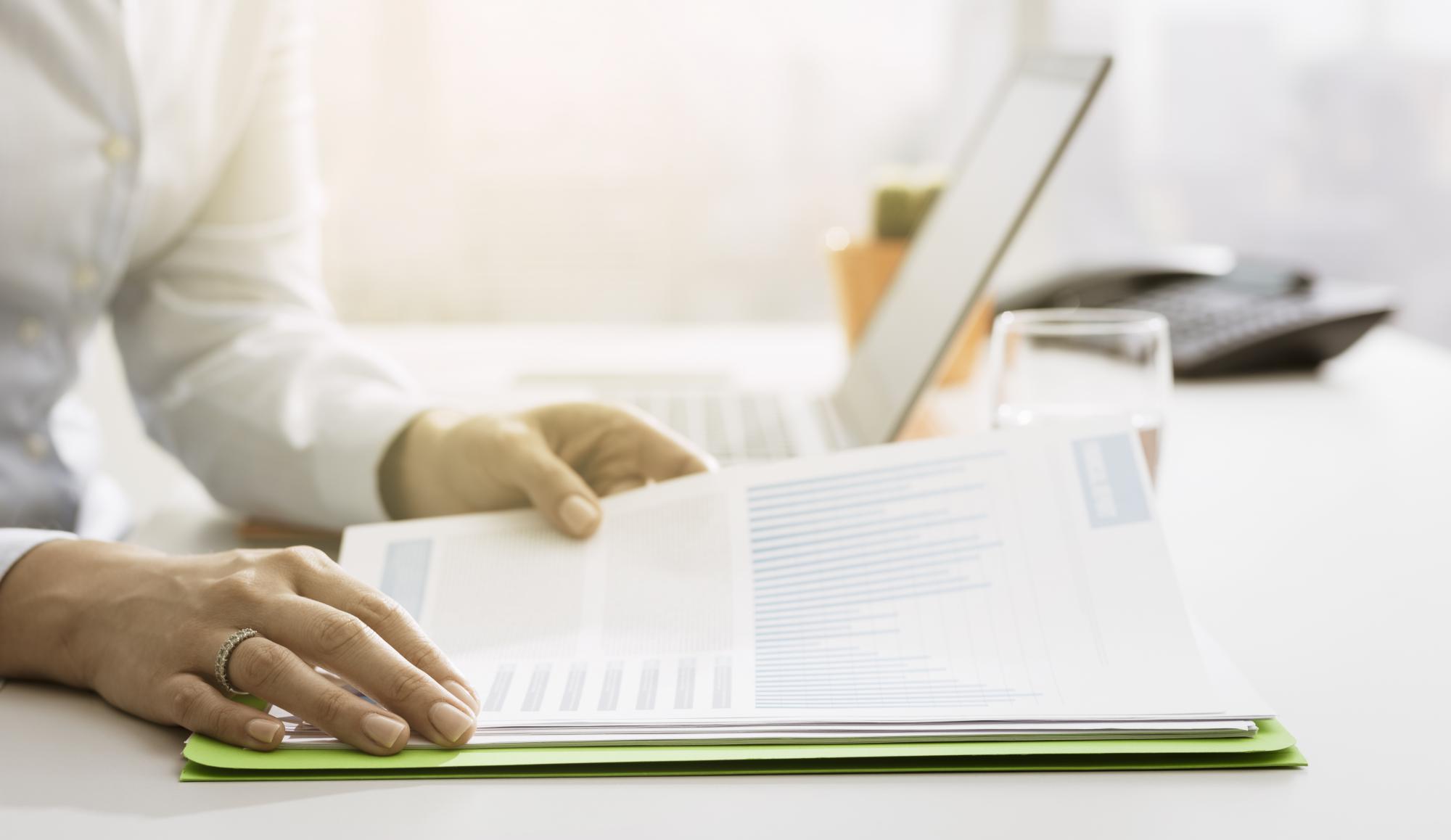 ФНС сообщает о порядке отражения в карточках расчетов с бюджетом сумм авансовых платежей по налогу на прибыль организаций