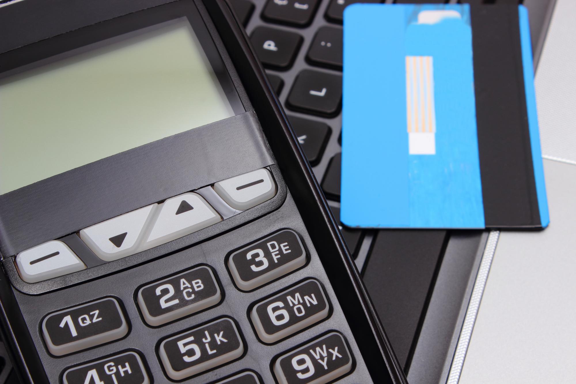 ФНС разъяснила вопросы, касающиеся порядка заполнения формы заявления о регистрации, перерегистрации и снятия с регистрации контрольно-кассовой техники