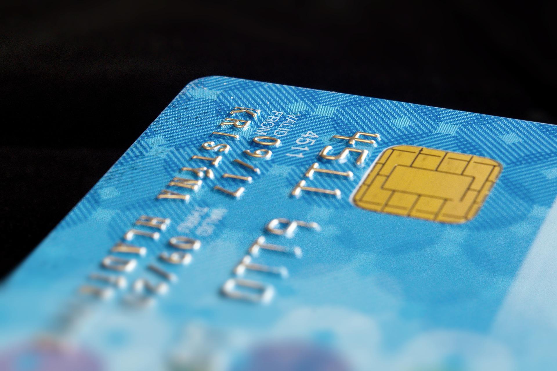 Налоговикам разрешили запрашивать в банках информацию о счетах граждан