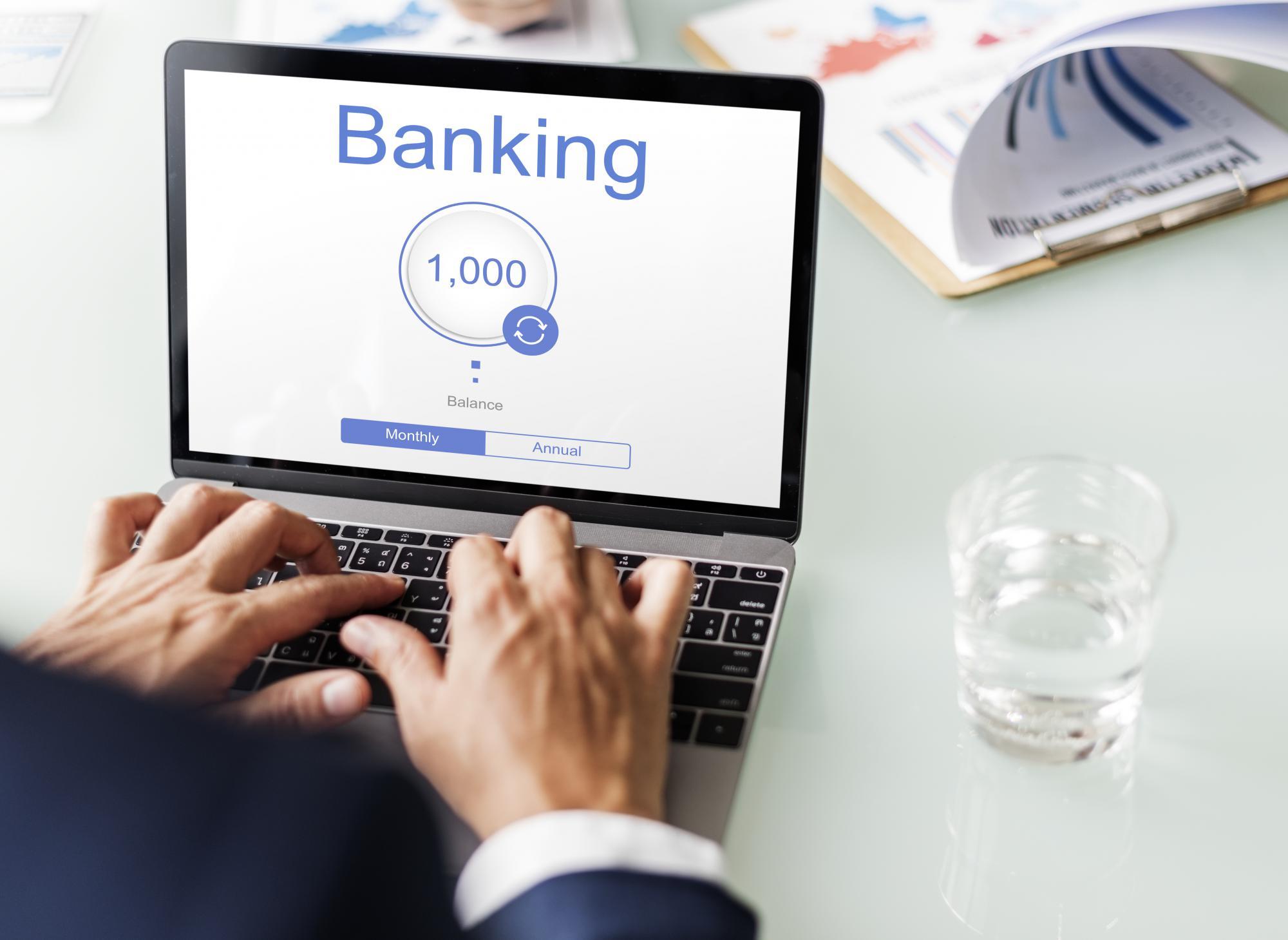 Центробанк не будет создавать базу смартфонов и компьютеров