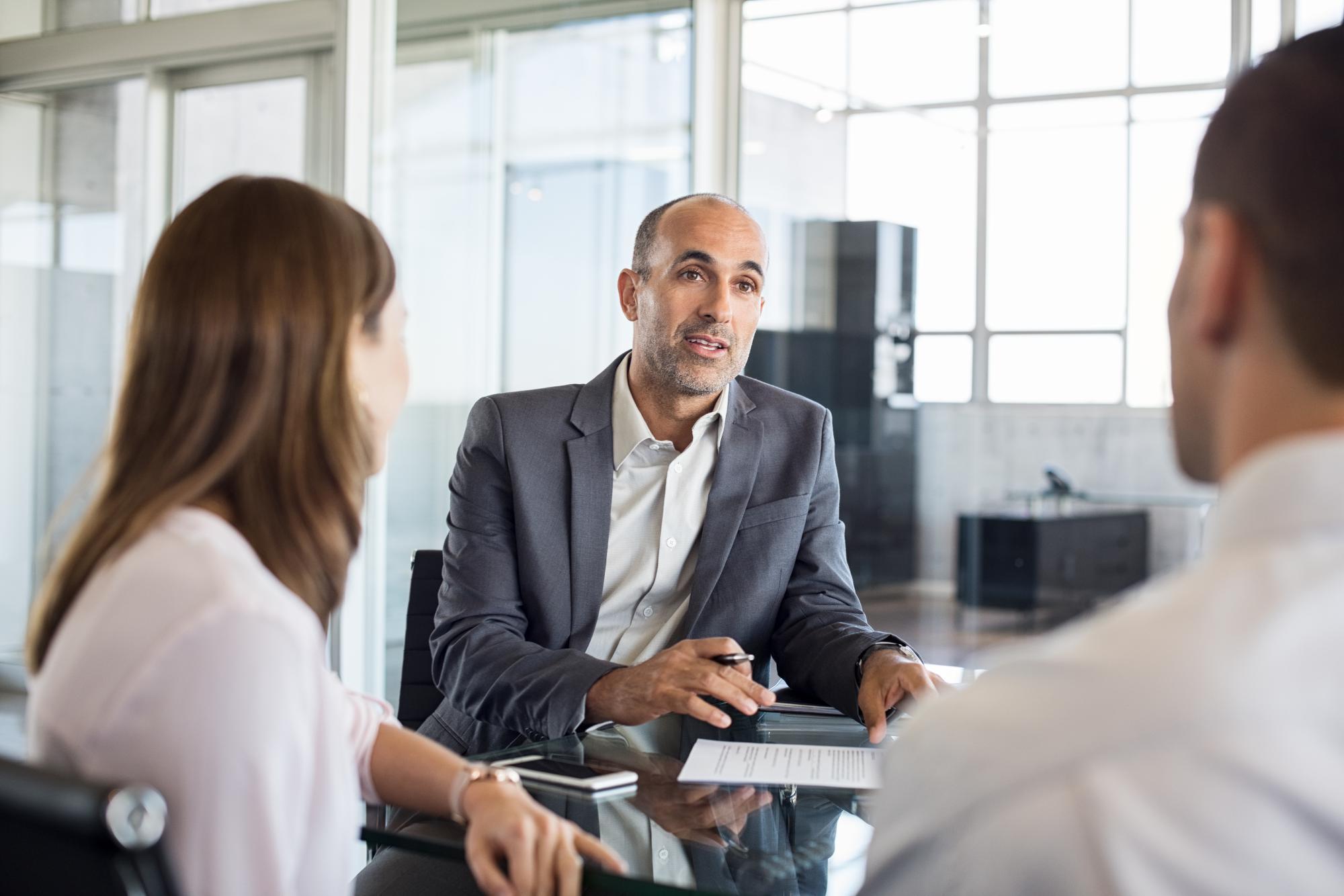 Агент вправе совершить сделку в интересах принципала только после заключения агентского договора