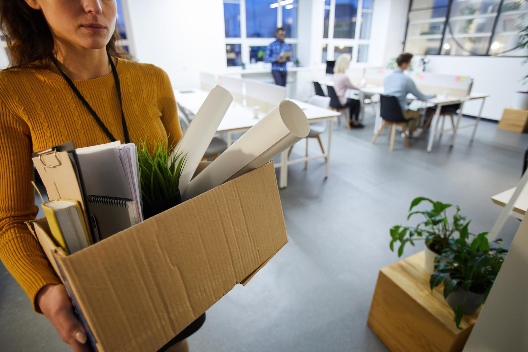 Как оформить бумаги и рассчитать сотрудника, который увольняется сразу после отпуска