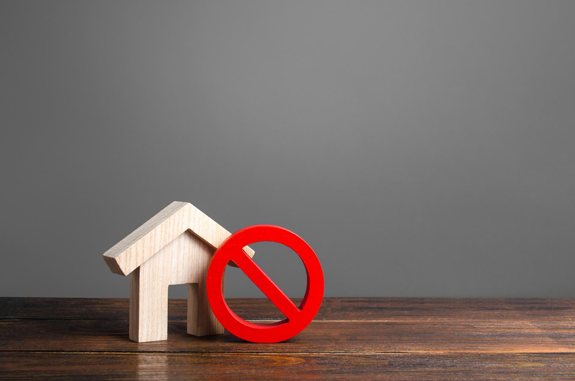 Канада введет налог на недвижимость для нерезидентов