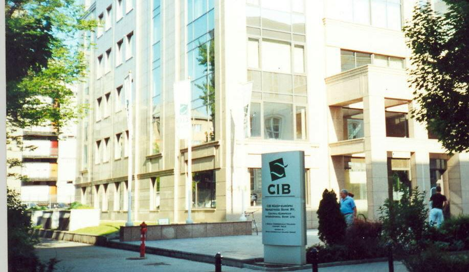 CIB Bank, Hungary, Budapest, May 2000 - Один из самых популярных венгерских банков 90-х годов. Поменял свою открытую политику в связи со сменой владельцев