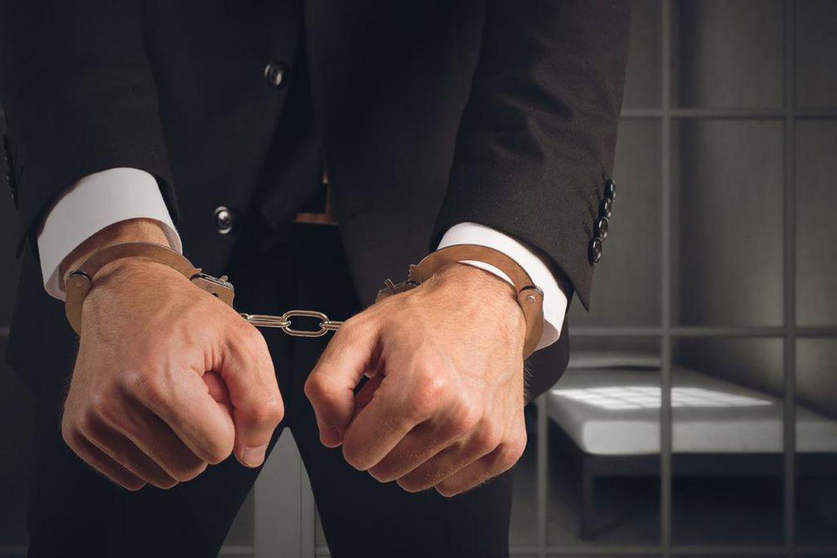 Лица, не занимающие в компании никакой должности, но определяющие ее решения, могут нести уголовную ответственность