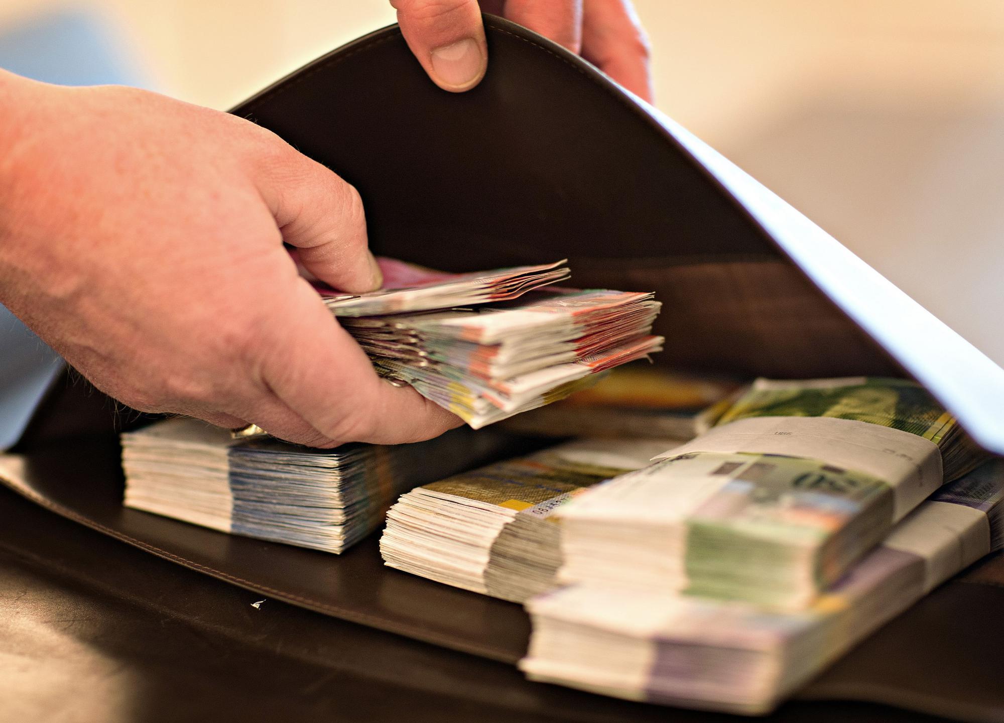 Швейцарские банки начнут ликвидировать забытые счета
